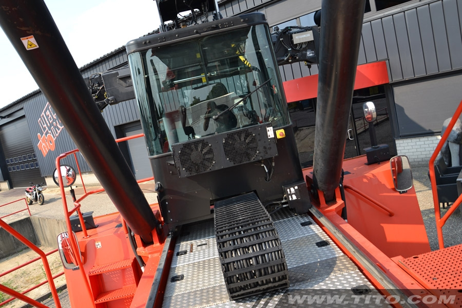 SOLD // Hyster Reach Stacker RS45-31CH