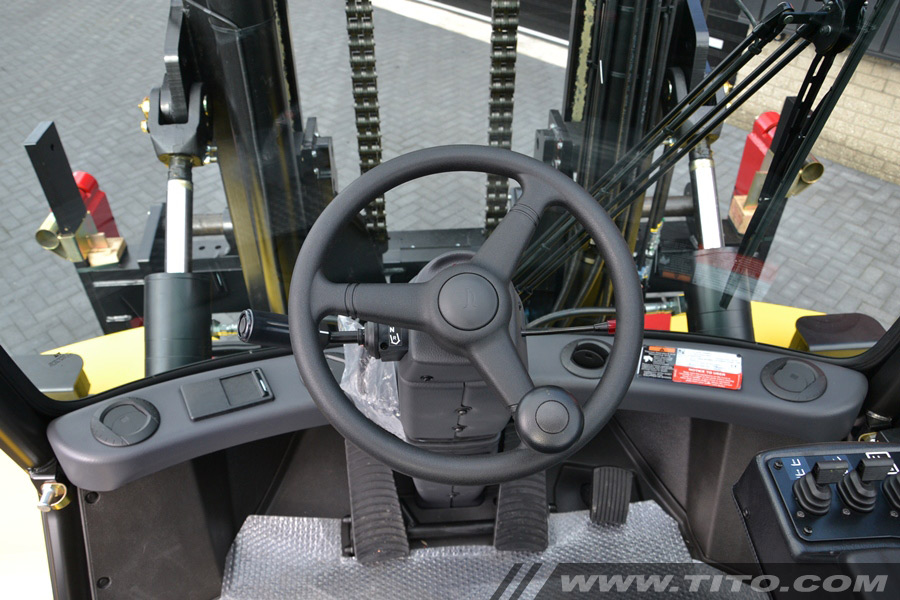 SOLD // New 16 ton Hyster forklift for sale
