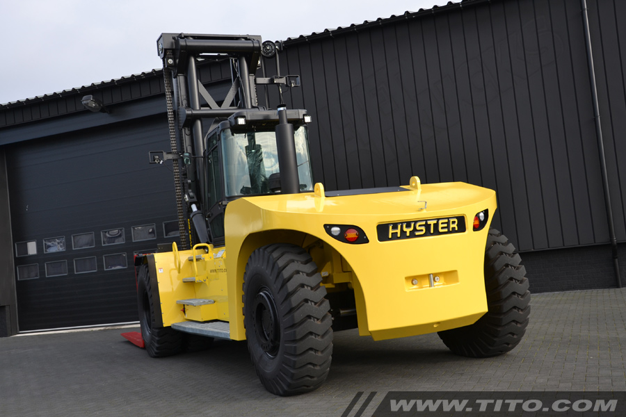 SOLD // New 32 ton Hyster forklift for sale