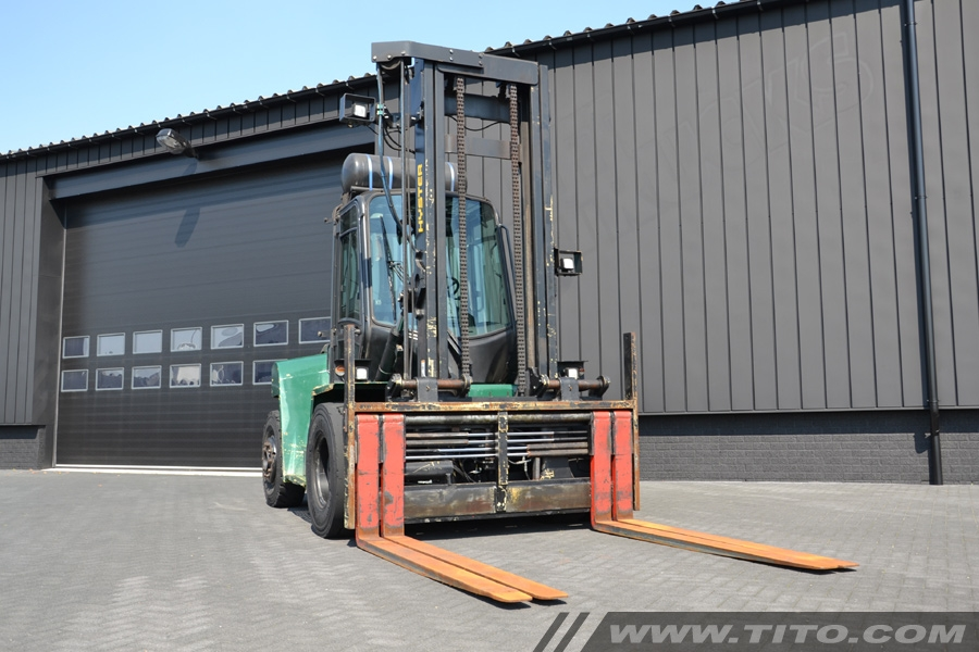 SOLD // used 9 ton Hyster forklift for sale