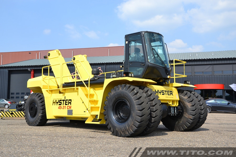 Hyster reach stacker RS45-31CH demo