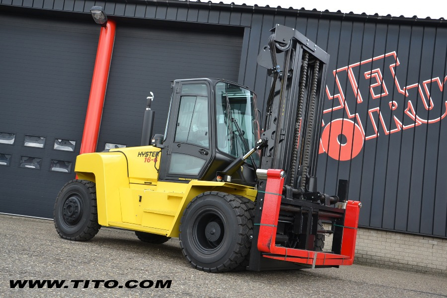 Hyster H16XM-6 - 16 ton forklift