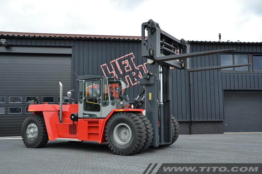 SOLD // 33 ton Kalmar roro Forklift