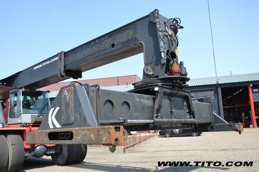 Kalmar Reach Stacker DRF450-60S5