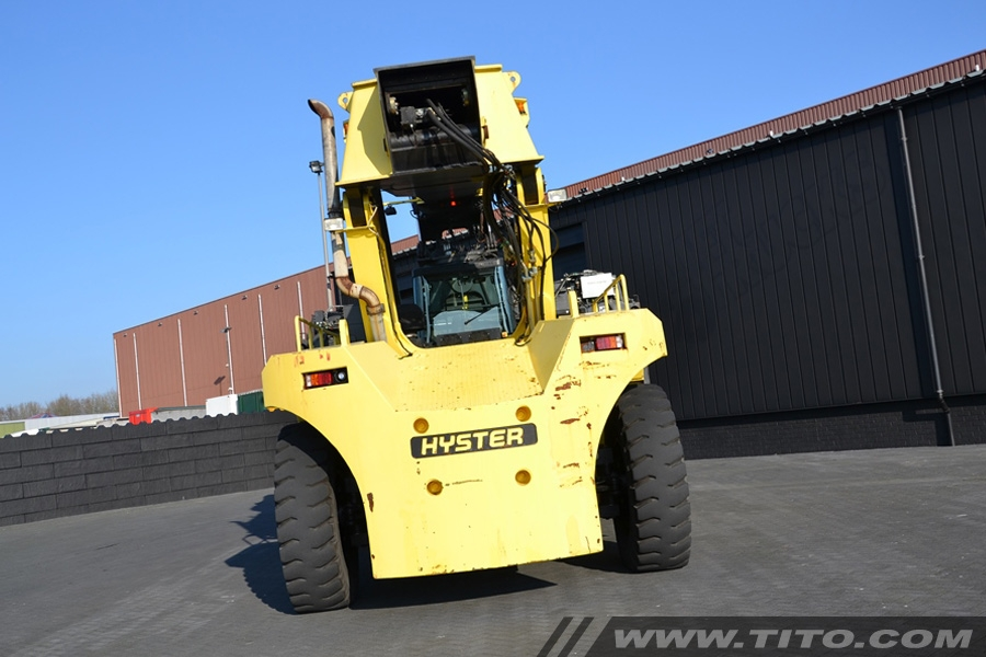 Hyster RS46-36CH used 46 ton reach stacker