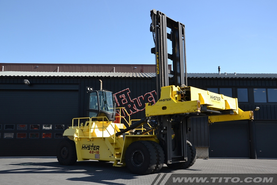 SOLD // used Hyster container handler