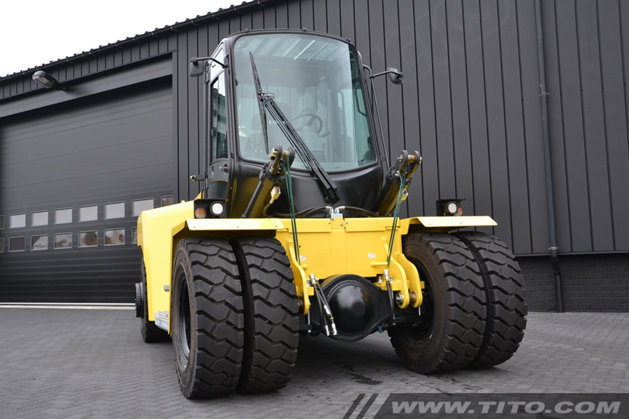 Used 16 tonnes Hyster H16XM-12 forklift