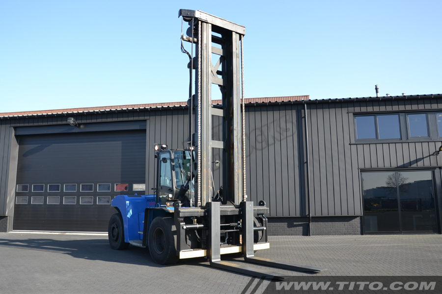 SOLD // Used 25 ton hyster forklift for sale