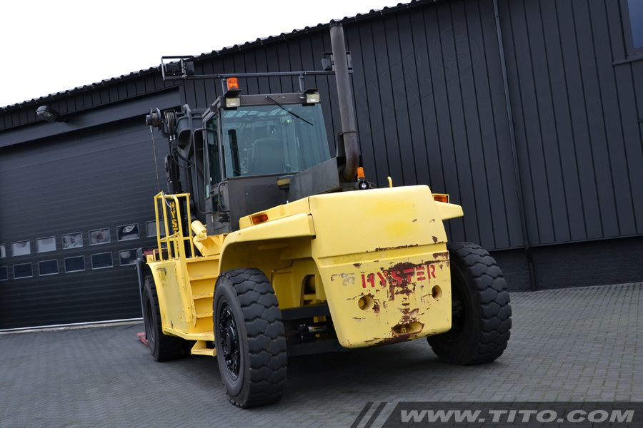 SOLD // Used 25 ton Hyster forklift