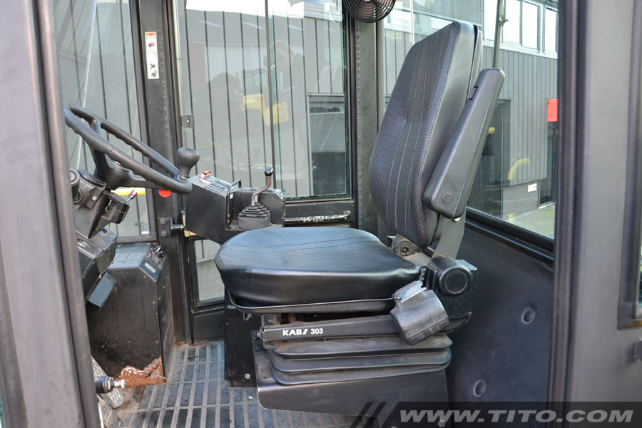 Used 25 ton Hyster forklift