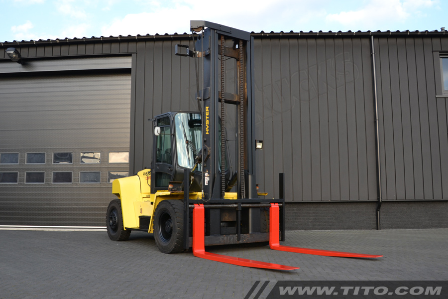 SOLD // Used 12 ton Hyster forklift for sale