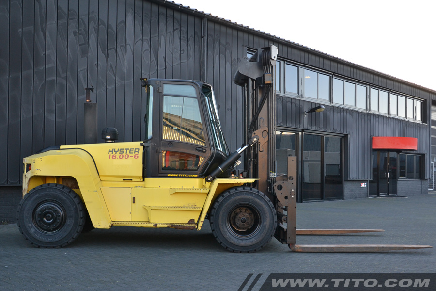 SOLD // Used 16 ton Hyster forklift