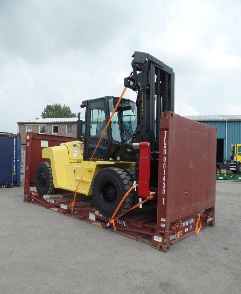 shipping heavy hyster forklifts on flat racks tito lifttrucks bv. Black Bedroom Furniture Sets. Home Design Ideas
