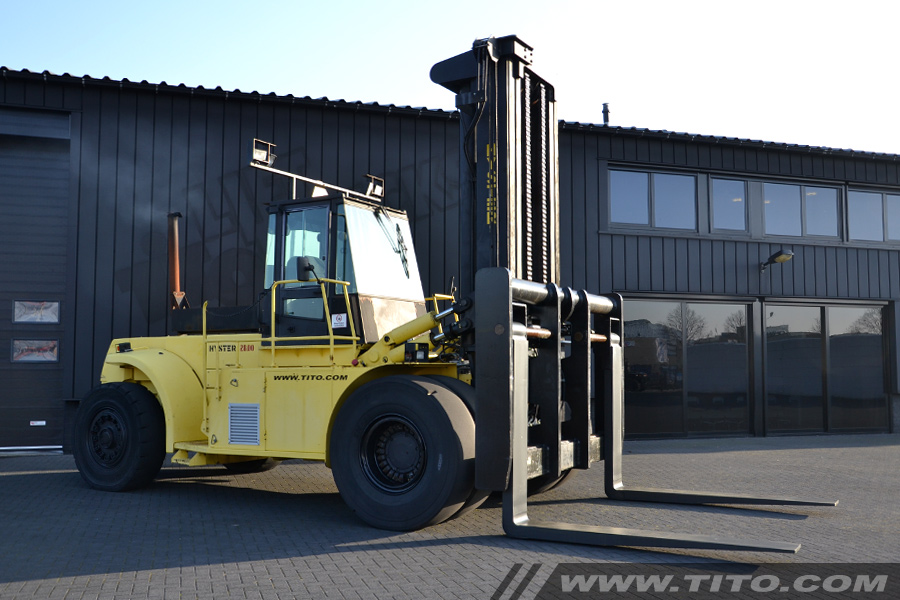 SOLD // Used 28 ton forklift Hyster H28.00F for sale