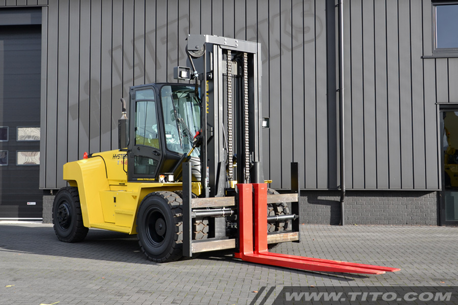 SOLD // New 16 ton Hyster forklift H16XM-6 for sale