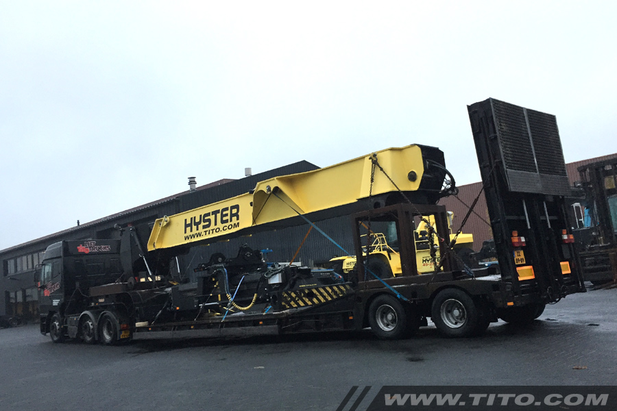 hyster-reachstacker-boom-transport-blog231116
