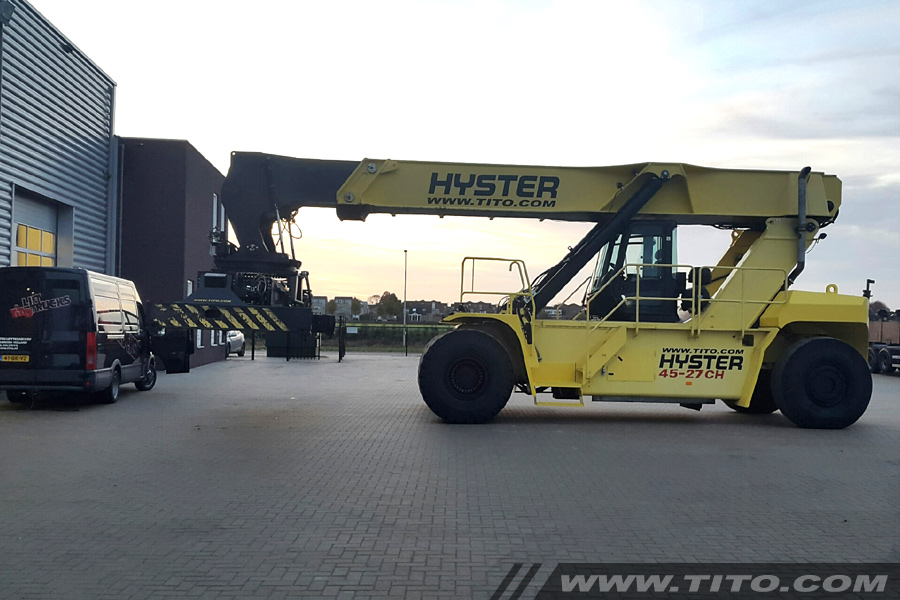 used-45-ton-reachstacker-blog231116