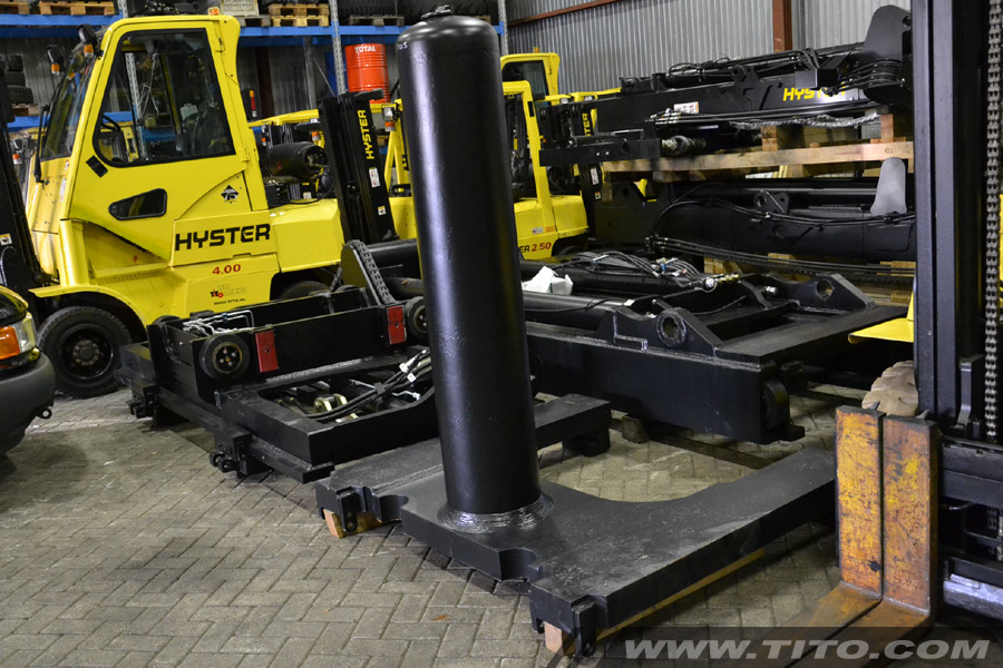 25 ton hook-type Hyster coil ram for sale