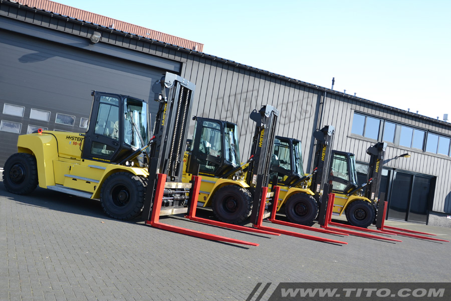 SOLD // New 16 ton Hyster forklift H16XM-6
