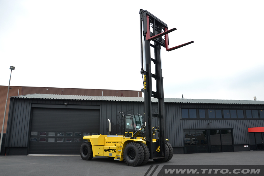 40 ton Hyster forklift for sale