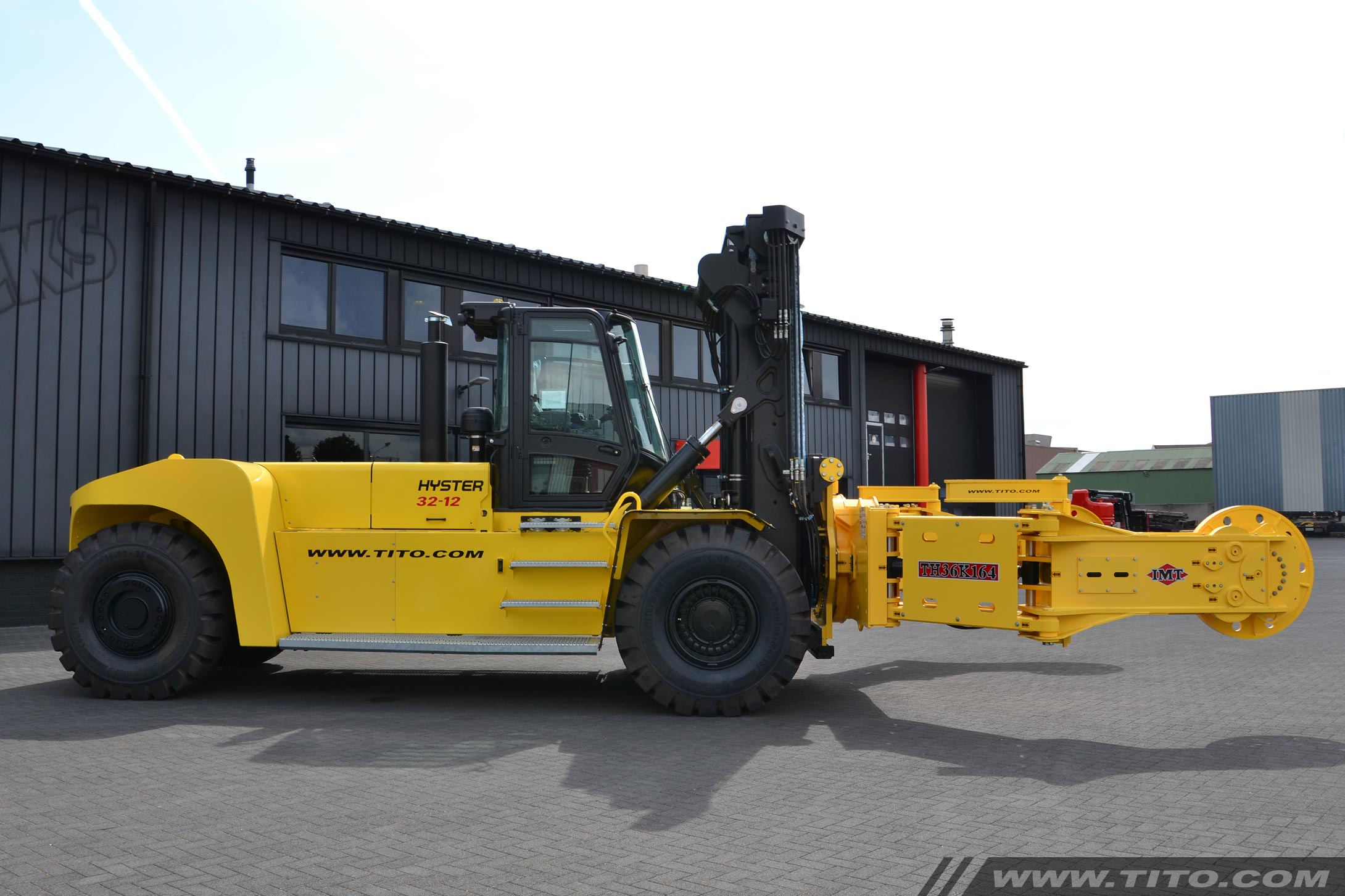 Hyster Tire Handler H32XM-12 for sale