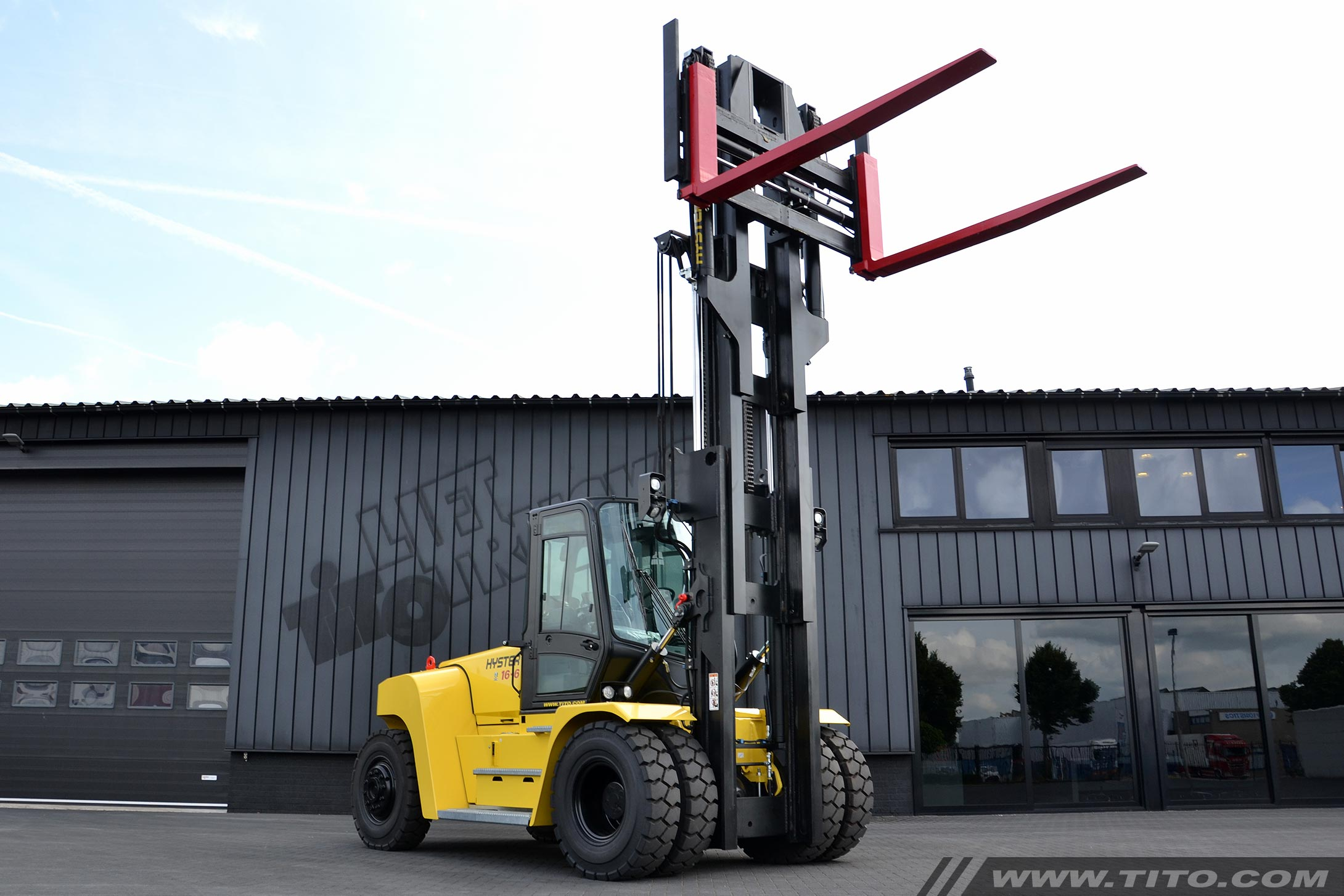 New 16 ton Hyster forklift H16XM-6 for sale
